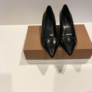 Like New Gianni Bini black kitten heel pump